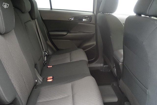 Mitsubishi ECLIPSE CROSS 8