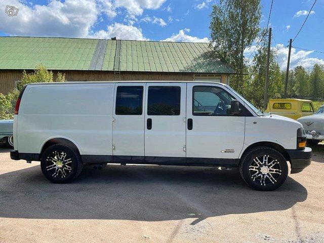 Chevrolet Express 3500 4