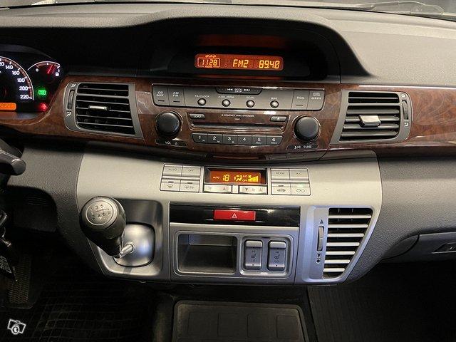 Honda FR-V 13