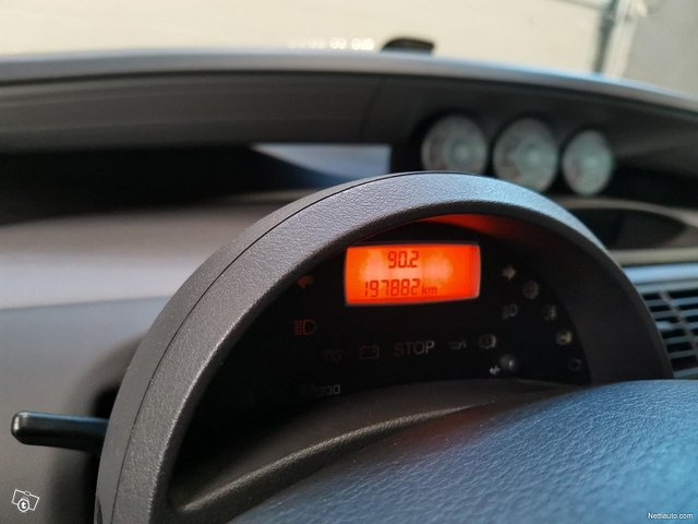 Peugeot 807 13