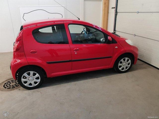 Peugeot 107 4
