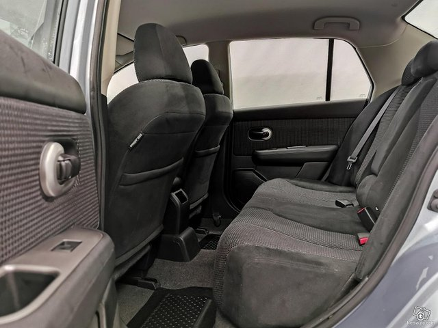 Nissan Tiida 9
