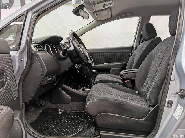 Nissan Tiida 10