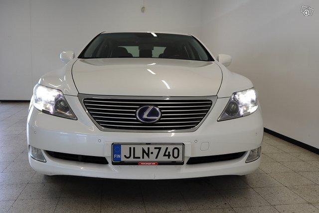 Lexus LS 2