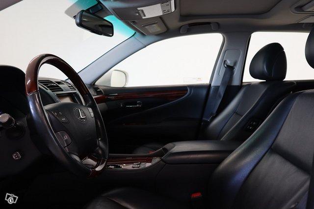 Lexus LS 11