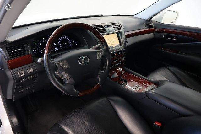 Lexus LS 25