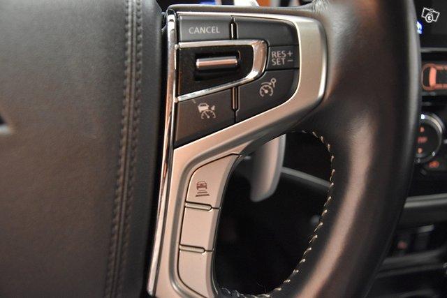 Mitsubishi Outlander PHEV 21