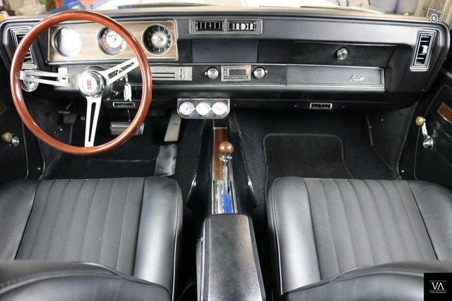 Oldsmobile Cutlass 6