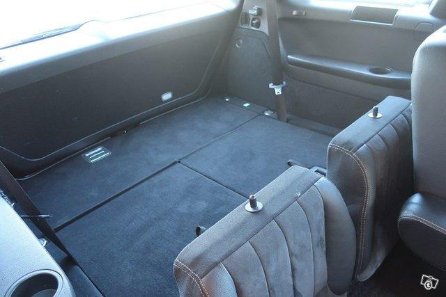 Mercedes-Benz R 16