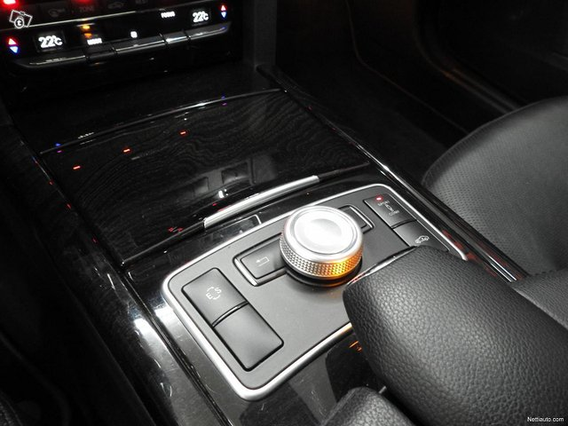 Mercedes-Benz 350 8
