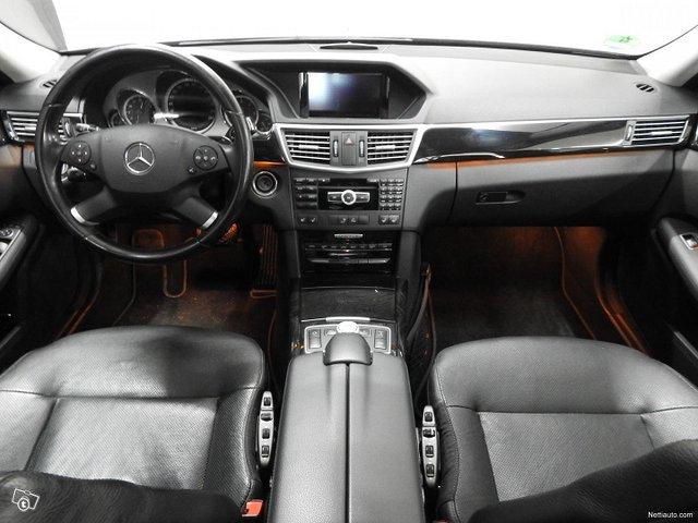 Mercedes-Benz 350 12