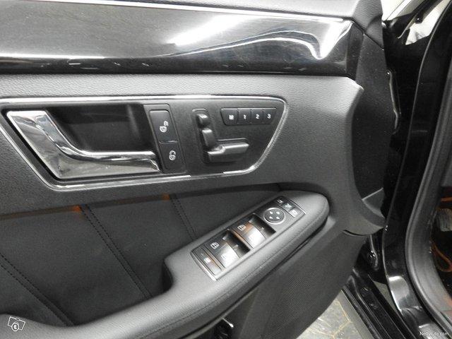 Mercedes-Benz 350 17