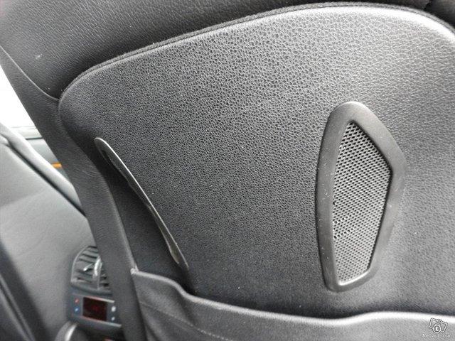 Mercedes-Benz 350 21