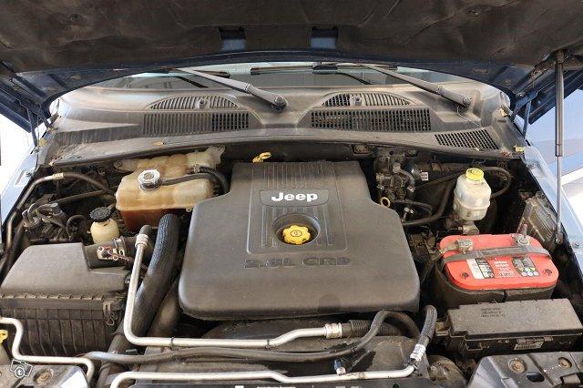 Jeep Cherokee 15