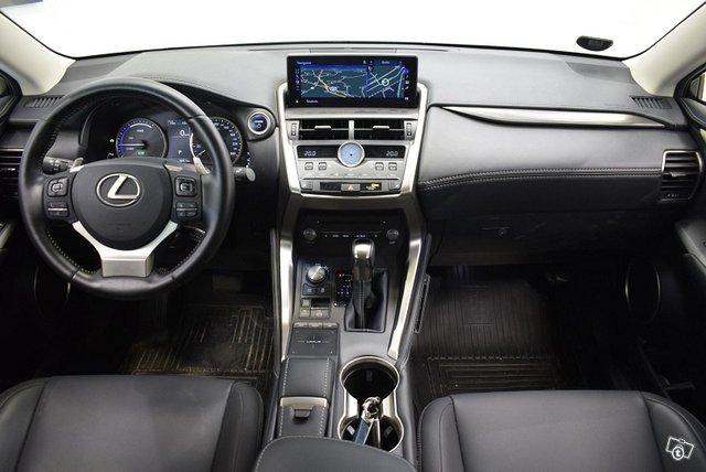 Lexus NX 14