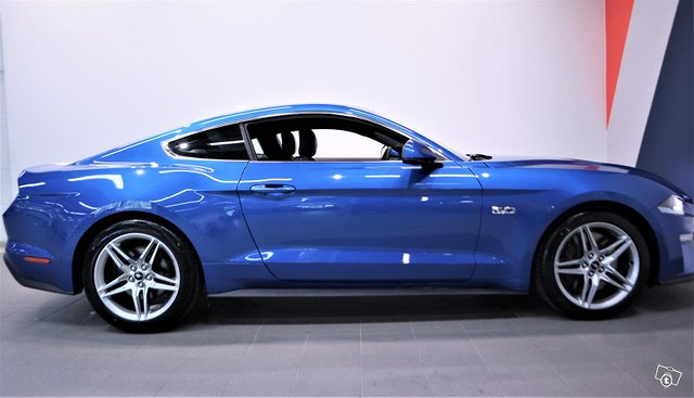 Ford Mustang 8