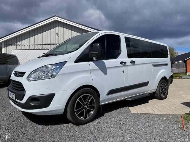 Ford Tourneo Custom 8