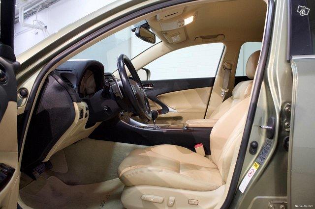 Lexus IS 5