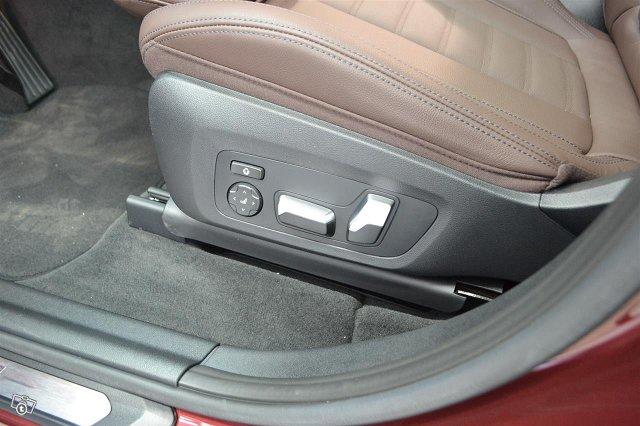 BMW IX 13