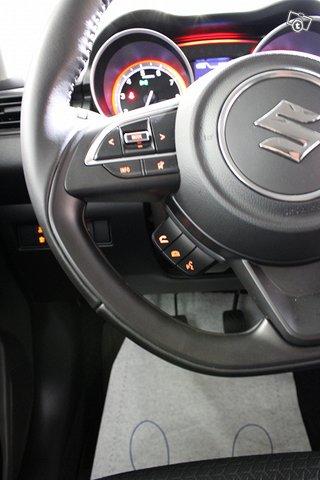 Suzuki SWIFT 13