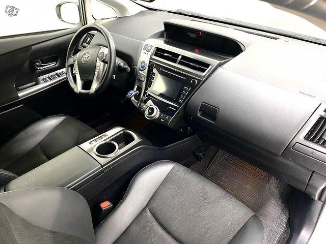 Toyota Prius+ 11