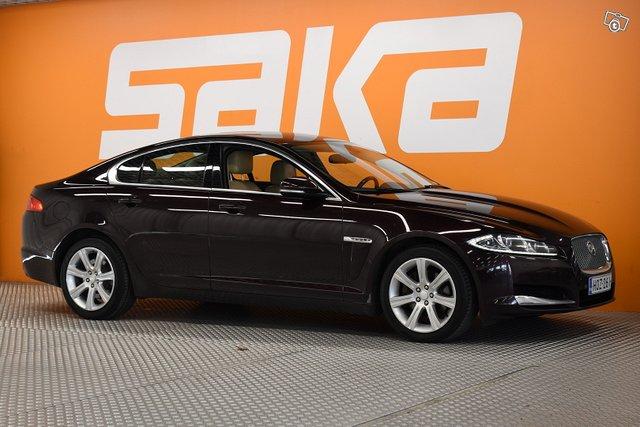 Jaguar XF, kuva 1