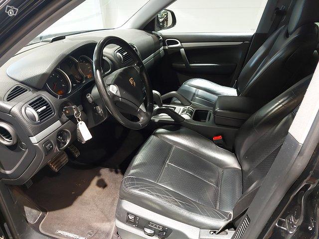 Porsche Cayenne S 8