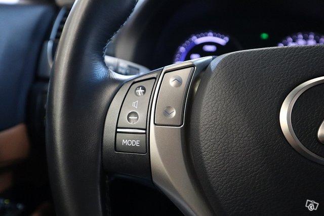 Lexus GS 23
