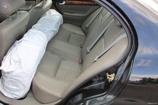Chevrolet Evanda 9