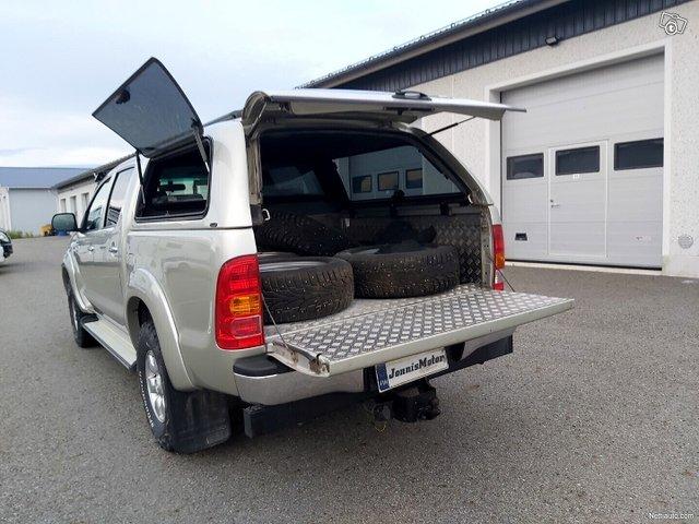 Toyota Hilux 7