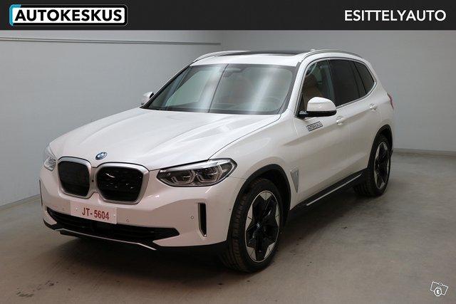 BMW IX3 1
