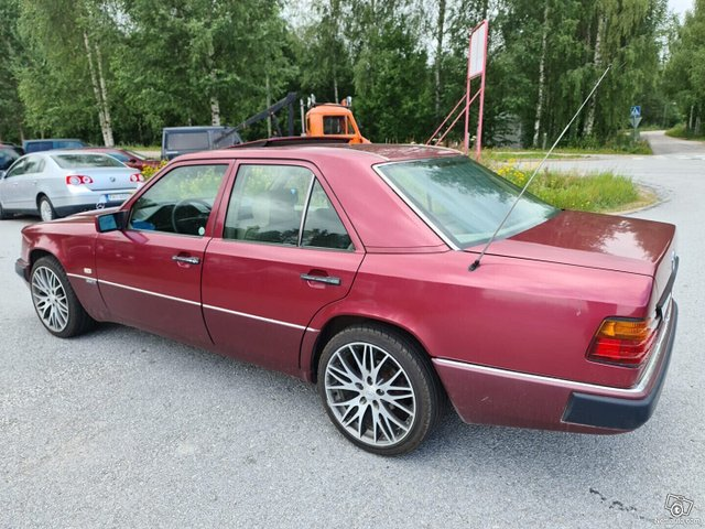 Mercedes-Benz 200 5