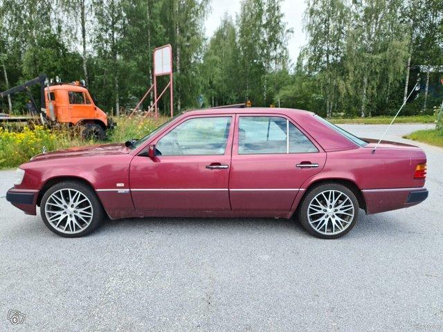 Mercedes-Benz 200 17