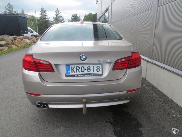 BMW 520 13
