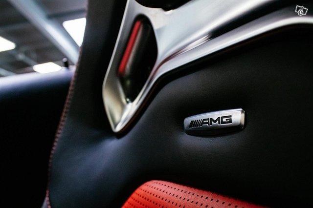 Mercedes-Benz C 63 AMG 19