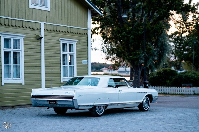 Buick Electra 3