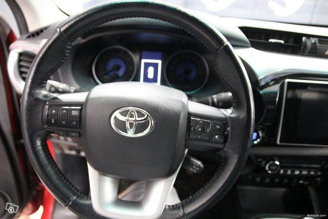 Toyota Hilux 19