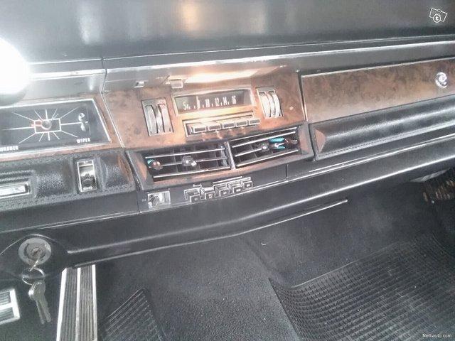 Chrysler New Yorker 12