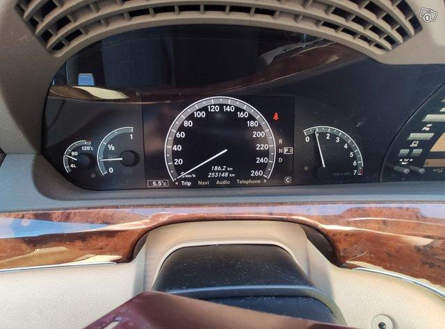 Mercedes-Benz S-sarja 10