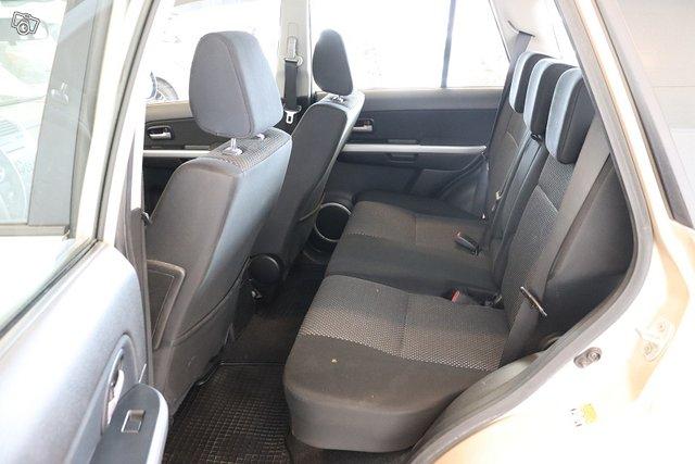 Suzuki Grand Vitara 13