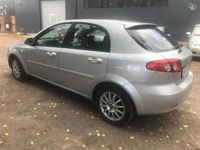 Chevrolet Lacetti 4