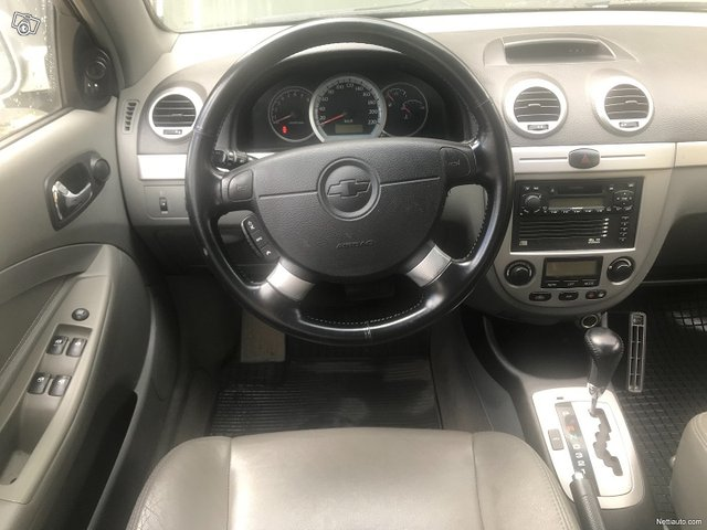 Chevrolet Lacetti 9