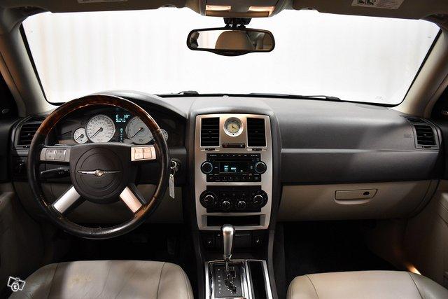 Chrysler 300C 14