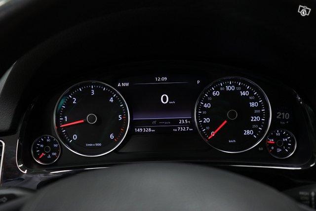 Volkswagen Touareg 16