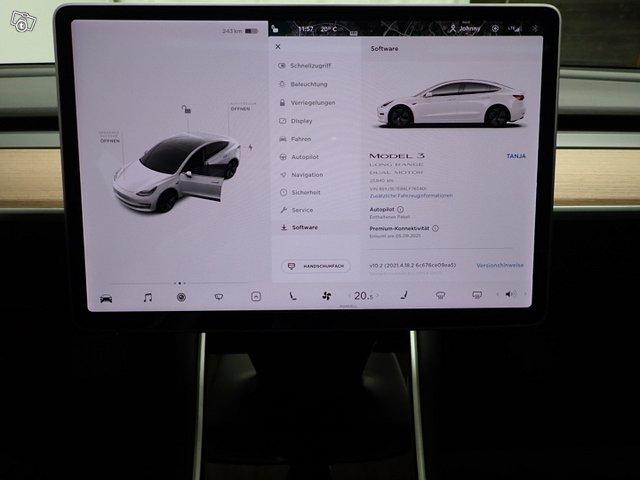 Tesla Model 3 12