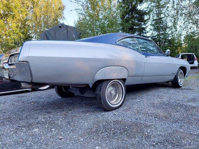 Chevrolet Impala 10