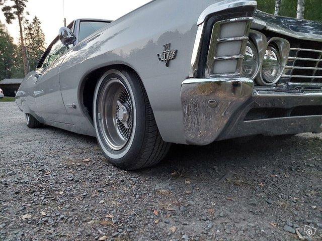 Chevrolet Impala 16