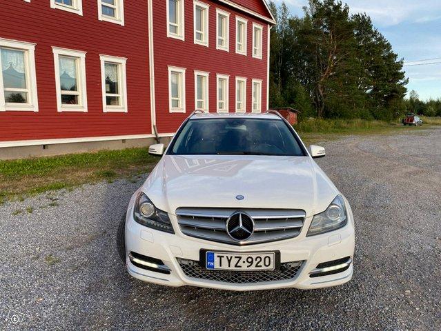 Mercedes-Benz C-sarja 8