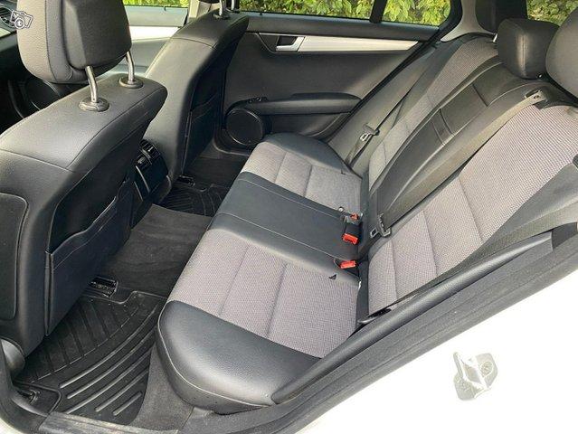 Mercedes-Benz C-sarja 10
