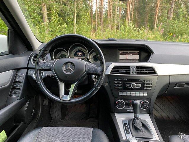 Mercedes-Benz C-sarja 12